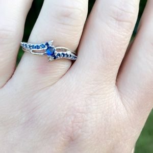 BRAND NEW 14KT 1.3CT BLUE SAPPHIRE RING
